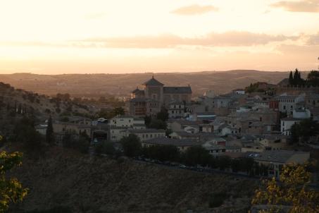 Solen leker seg over Toledo