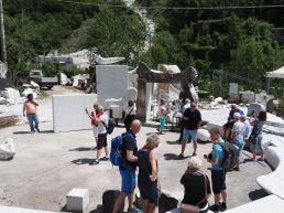 Oppe i Carrara-fjellene finner vi verkstedet til Usama Al Nassar
