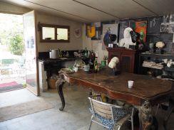 Innomhus - i verkstedet, kombinert galleri og kjøkken