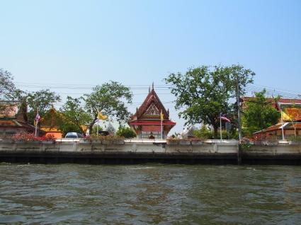 Tempel fra sjøsiden..