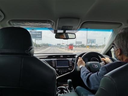 Vår helt private sjåfør fra flyplassen til hotellet